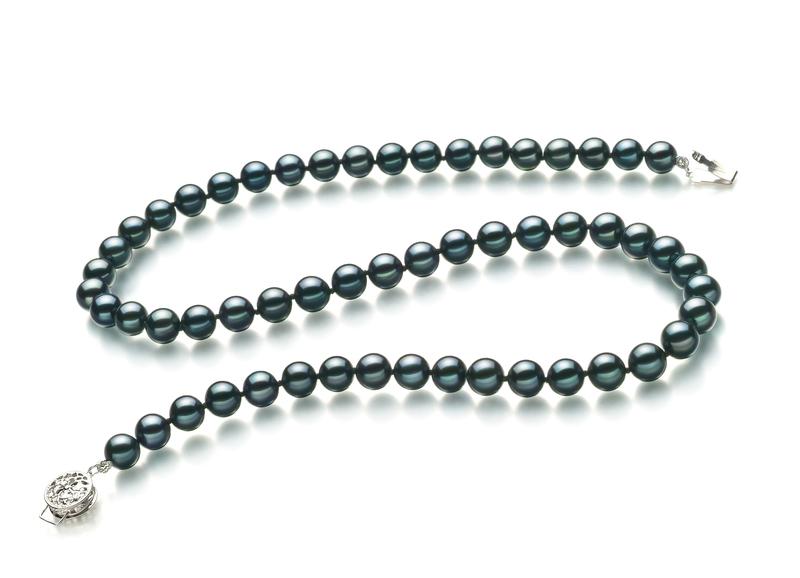 Halskette mit schwarzen, 6.5-7mm großen Janischen Akoya Perlen in AA-Qualität , Adeline