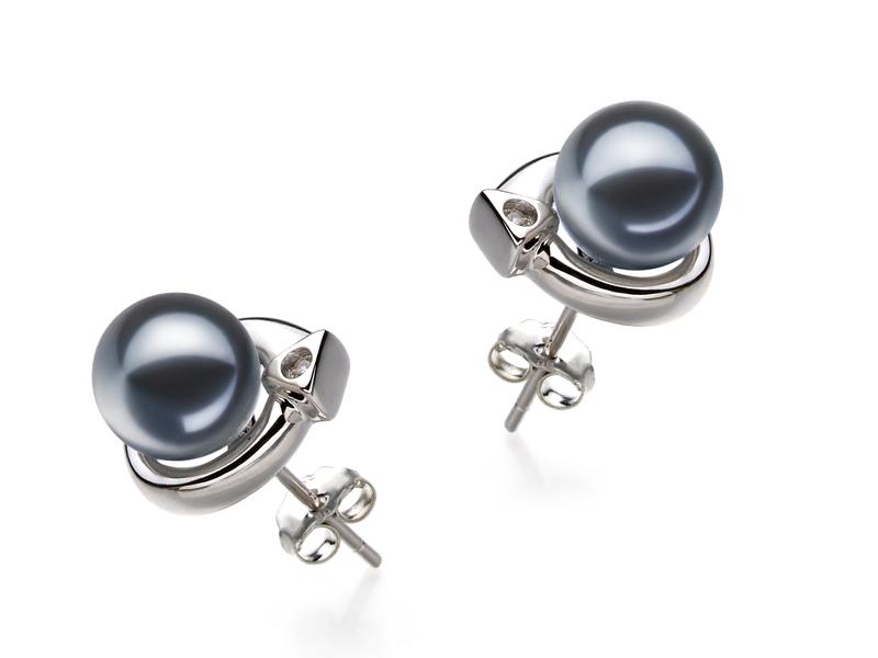 Paar Ohrringe mit schwarzen, 7-8mm großen Süßwasserperlen in AAAA-Qualität , Angelina