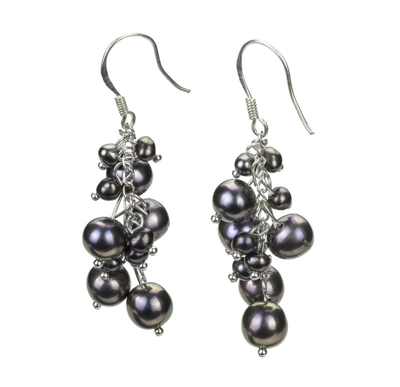 Paar Ohrringe mit schwarzen, 3-7mm großen Süßwasserperlen in A-Qualität , Brisa