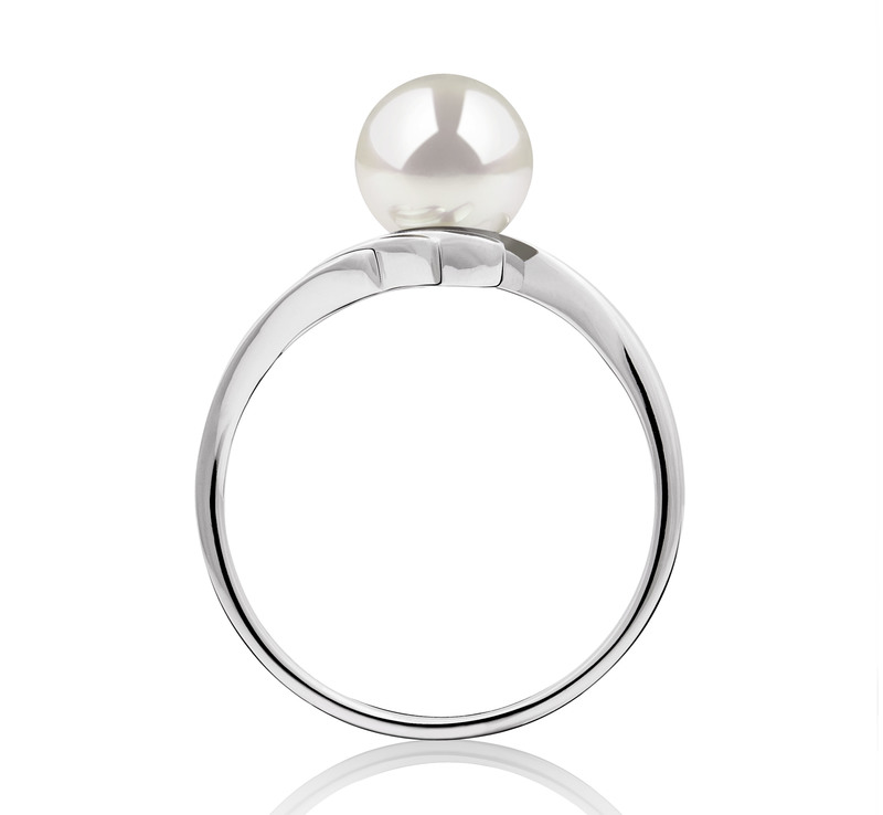 Ring mit weißen, 6-7mm großen Janischen Akoya Perlen in AAA-Qualität , Daron