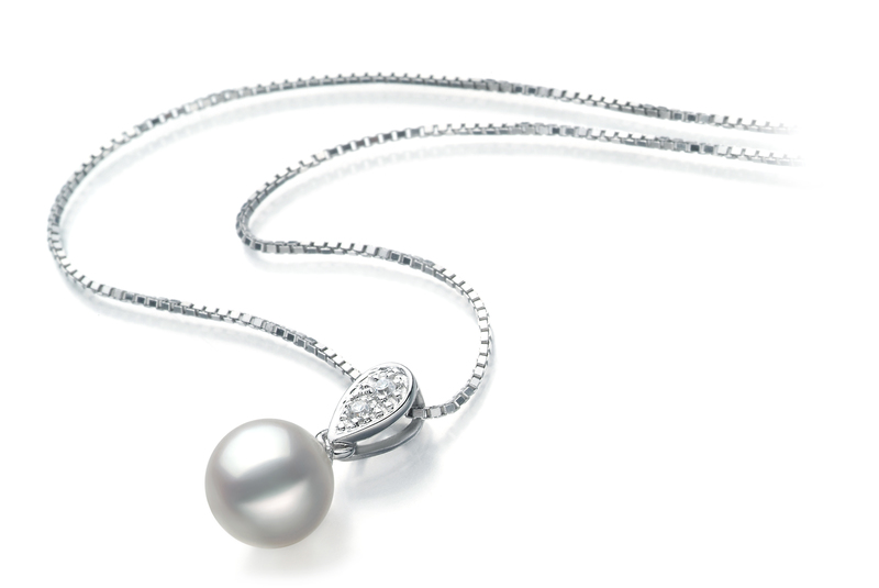 Anhänger mit weißen, 7-8mm großen Janischen Akoya Perlen in AA-Qualität , Denise