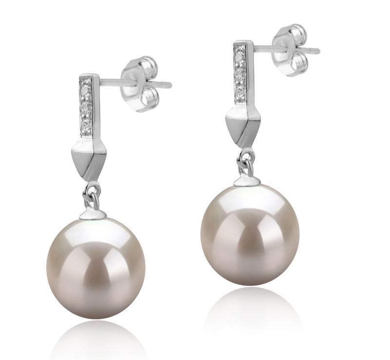 Paar Ohrringe mit weißen, 9-10mm großen Süßwasserperlen in AAAA-Qualität , Erma