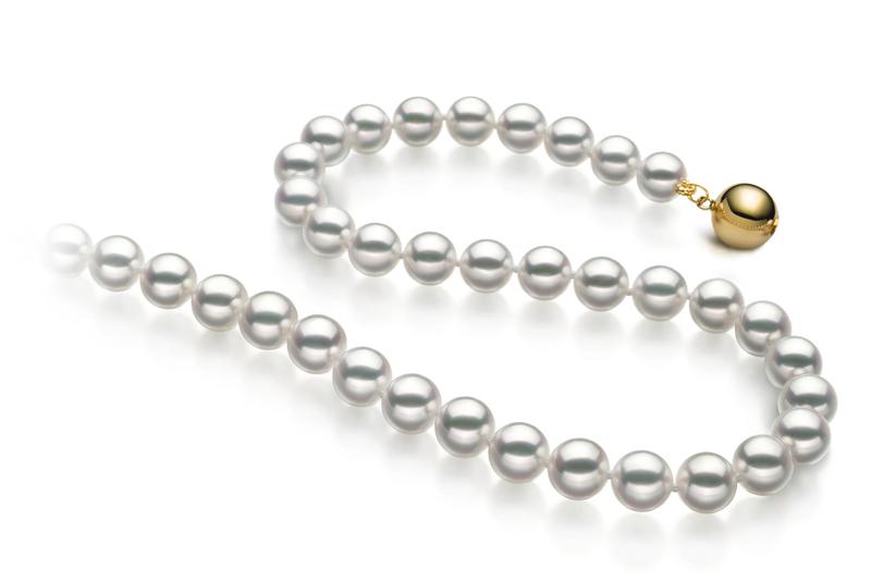 Halskette mit weißen, 6.5-7mm großen Janischen Akoya Perlen in Hanadama - AAAA-Qualität