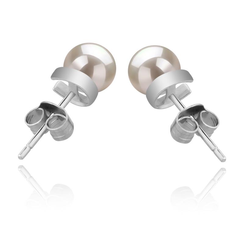 Paar Ohrringe mit weißen, 5-6mm großen Süßwasserperlen in AAAA-Qualität , Jalena