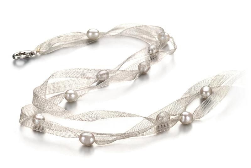 Halskette mit weißen, 5-6mm großen Süßwasserperlen in A-Qualität , Jasmin