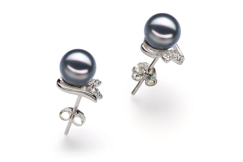 Paar Ohrringe mit schwarzen, 6-7mm großen Janischen Akoya Perlen in AA-Qualität , Judith
