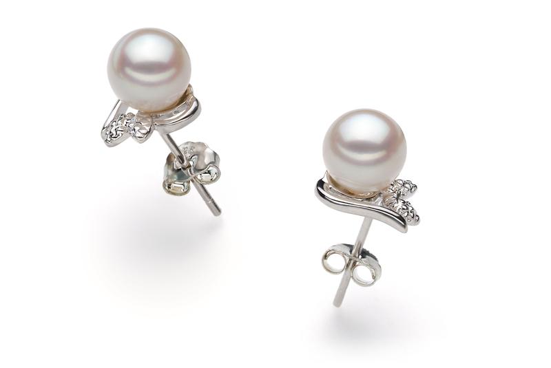 Paar Ohrringe mit weißen, 6-7mm großen Janischen Akoya Perlen in AA-Qualität , Judith
