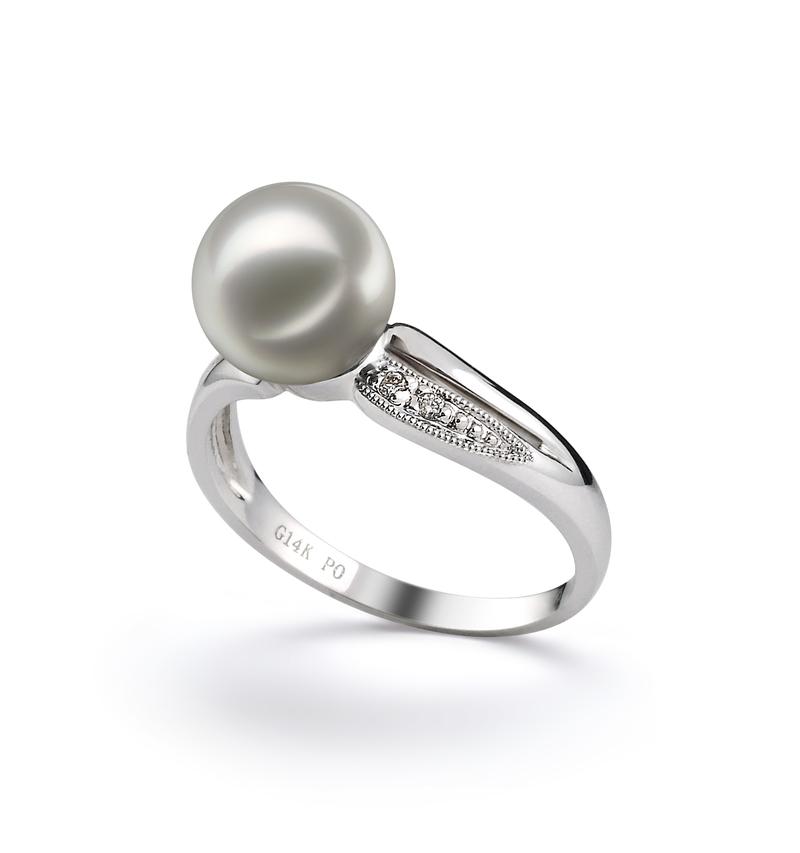 Ring mit weißen, 7-8mm großen Janischen Akoya Perlen in AAA-Qualität , Meike