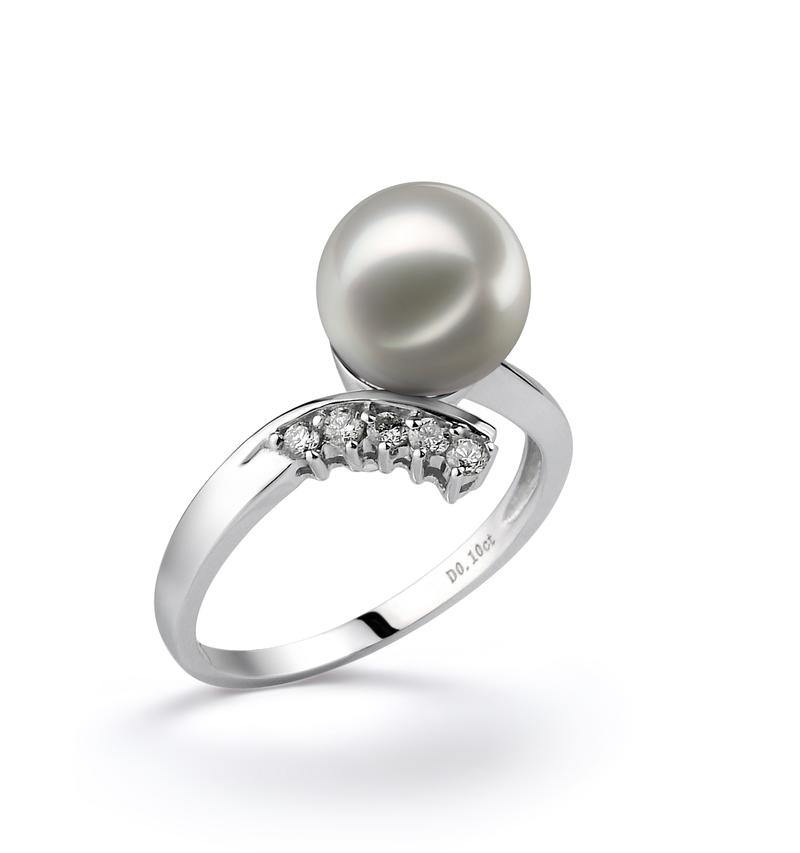 Ring mit weißen, 8-9mm großen Janischen Akoya Perlen in AA-Qualität , Olivia