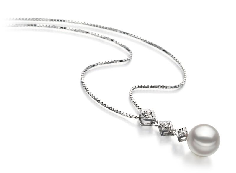 Anhänger mit weißen, 8-9mm großen Janischen Akoya Perlen in AAA-Qualität , Paulina