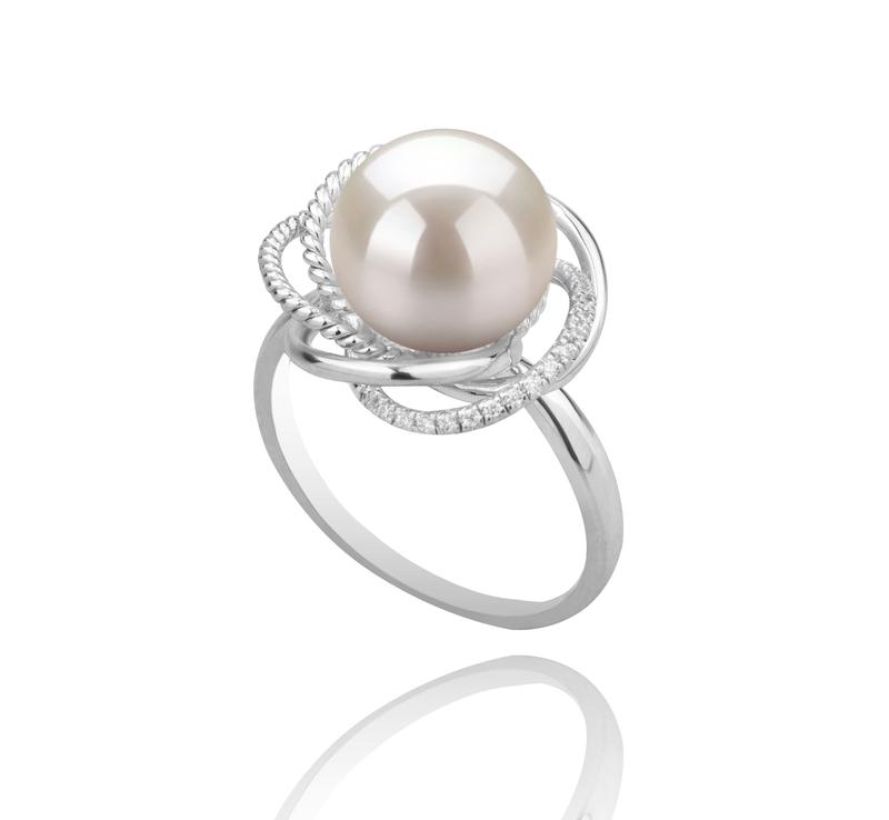Ring mit weißen, 9-10mm großen Süßwasserperlen in AAAA-Qualität , Bobbie