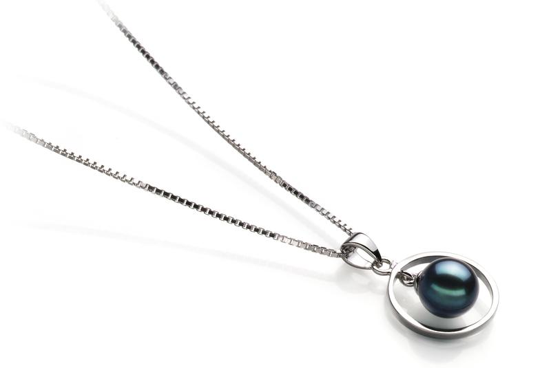 Anhänger mit schwarzen, 6-7mm großen Janischen Akoya Perlen in AA-Qualität , Svenja