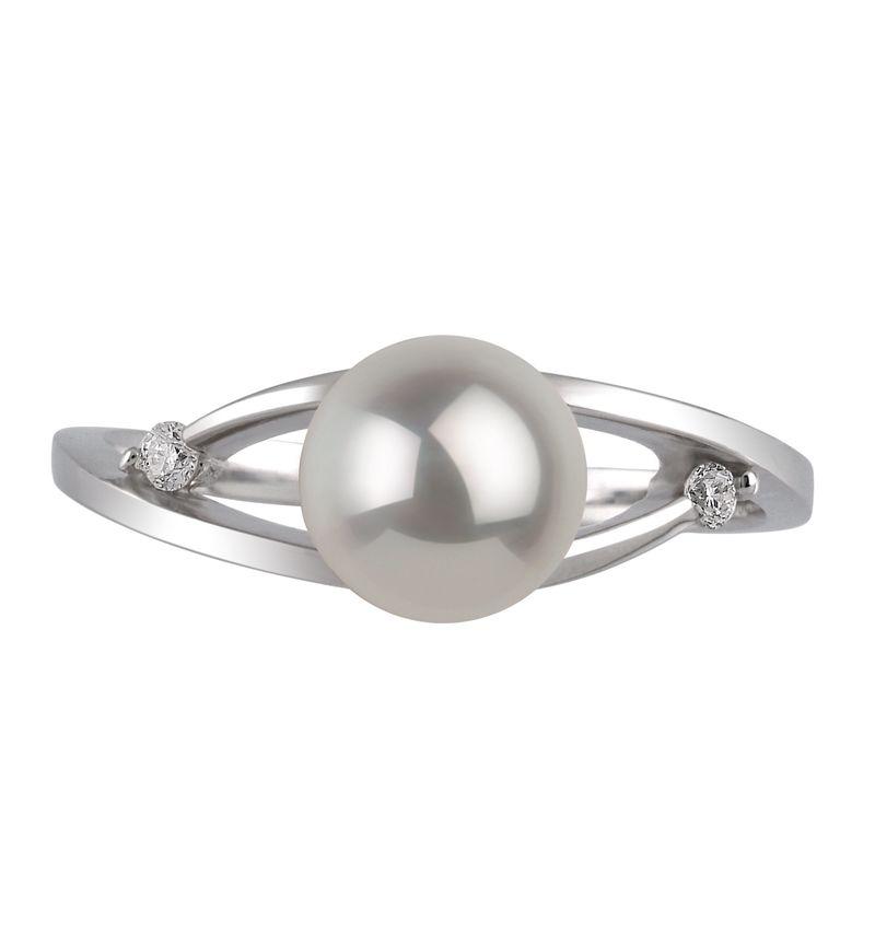 Ring mit weißen, 6-7mm großen Janischen Akoya Perlen in AA-Qualität , Tanja
