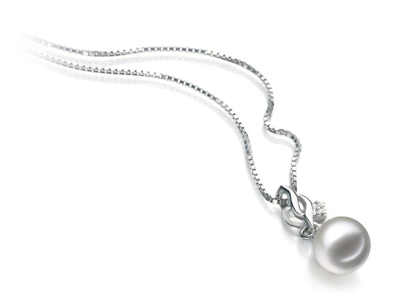Anhänger mit weißen, 7-8mm großen Janischen Akoya Perlen in AA-Qualität , Xenia