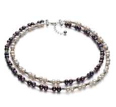 Halskette mit schwarzen and weißen, 6-7mm großen Süßwasserperlen in A-Qualität , YinYang